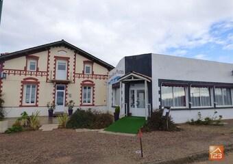 Vente Maison 12 pièces 360m² Saint-Vincent-sur-Jard (85520) - Photo 1