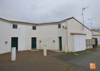 Sale House 3 rooms 38m² Longeville-sur-Mer (85560) - Photo 1