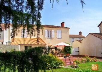 Vente Maison 7 pièces 144m² Moutiers-les-Mauxfaits (85540) - Photo 1
