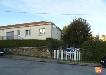 Sale House 5 rooms 94m² Cheffois (85390) - Photo 1