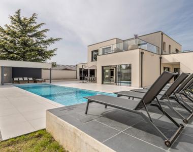 Vente Maison 13 pièces 280m² IRIGNY - photo
