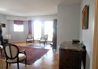 Location Appartement 5 pièces 110m² Le Chesnay (78150) - Photo 1