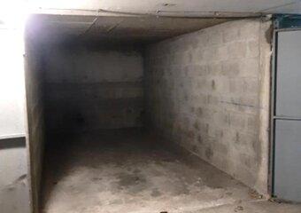 Location Garage 12m² Versailles (78000) - Photo 1