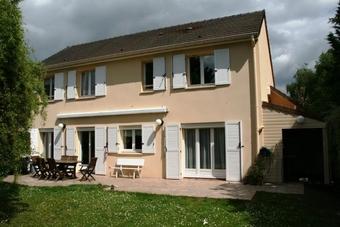 Location Maison 6 pièces 160m² Voisins-le-Bretonneux (78960) - Photo 1