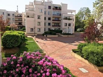 Location Appartement 3 pièces 74m² Montigny-le-Bretonneux (78180) - Photo 1