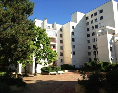 Renting Apartment 3 rooms 74m² Montigny-le-Bretonneux (78180) - photo