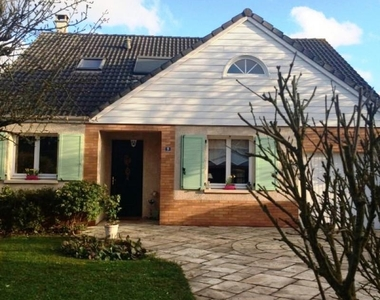 Renting House 7 rooms 142m² Élancourt (78990) - photo