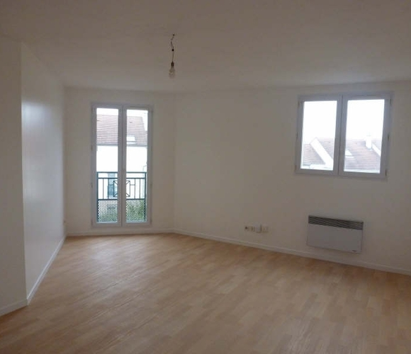 Renting Apartment 2 rooms 50m² Voisins-le-Bretonneux (78960) - photo