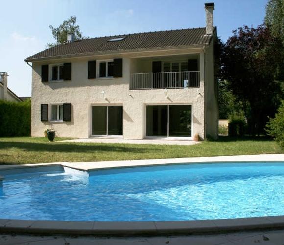 Renting House 8 rooms 200m² Voisins-le-Bretonneux (78960) - photo