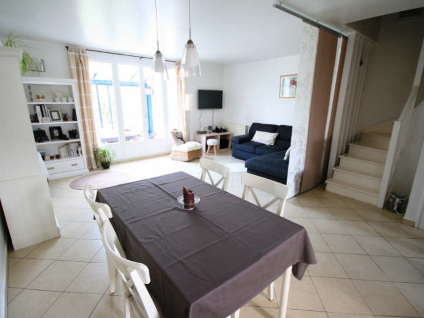 Renting House 5 rooms 100m² Voisins-le-Bretonneux (78960) - photo