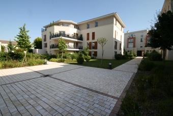 Vente Appartement 1 pièce 27m² Voisins-le-Bretonneux (78960) - Photo 1