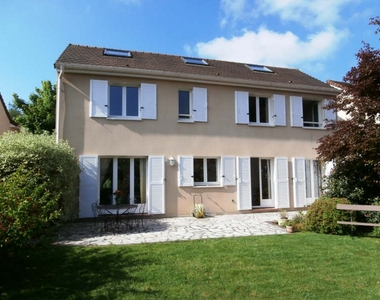 Sale House 7 rooms 173m² Voisins-le-Bretonneux (78960) - photo
