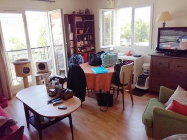 Renting Apartment 2 rooms 44m² Voisins-le-Bretonneux (78960) - photo