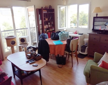 Location Appartement 2 pièces 44m² Voisins-le-Bretonneux (78960) - photo