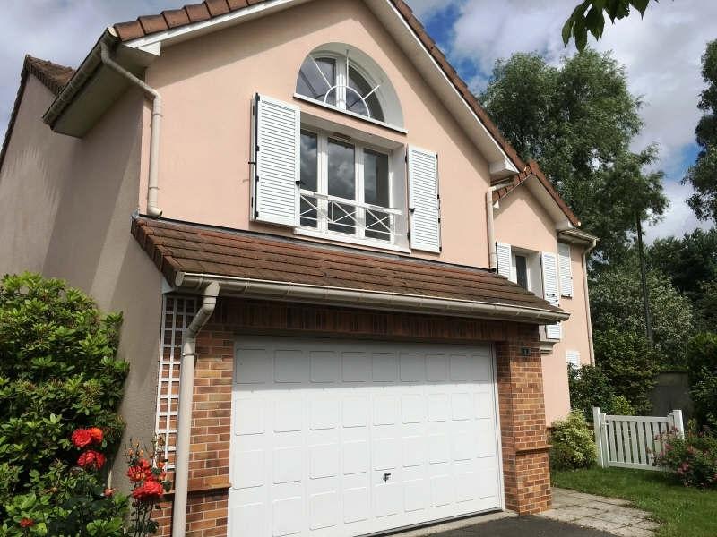 Location Maison 6 pièces 150m² Voisins-le-Bretonneux (78960) - photo