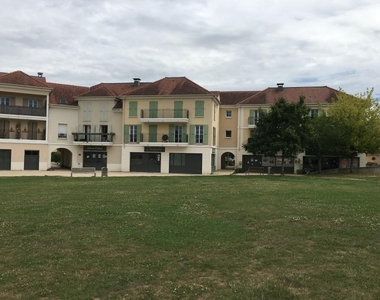 Renting Apartment 1 room 26m² Toussus-le-Noble (78117) - photo