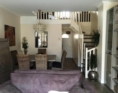 Sale House 5 rooms 110m² Voisins-le-Bretonneux (78960) - photo