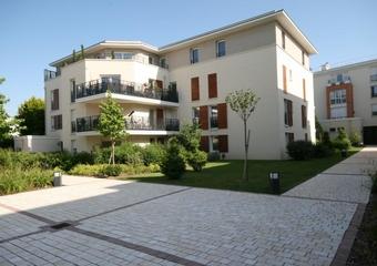 Renting Apartment 1 room 27m² Voisins-le-Bretonneux (78960) - Photo 1