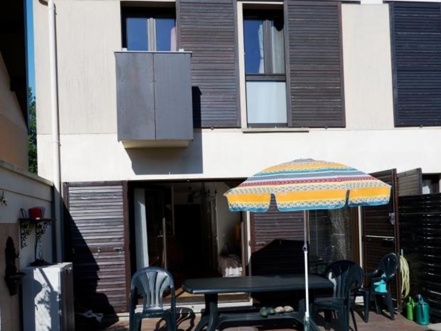 Sale House 4 rooms 76m² Magny les hameaux - photo