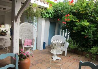 Sale House 6 rooms 130m² Talmont-sur-Gironde (17120) - photo