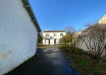 Vente Maison 6 pièces 127m² rochefort - Photo 1
