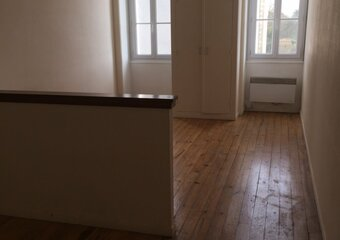 Location Appartement 1 pièce 38m² Rochefort (17300) - Photo 1