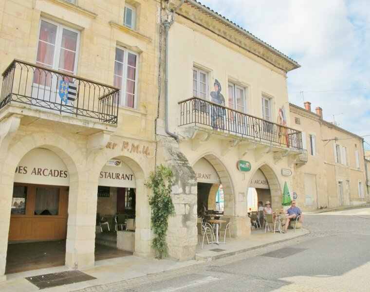 Sale Building 20 rooms 780m² Sauveterre-de-Guyenne (33540) - photo