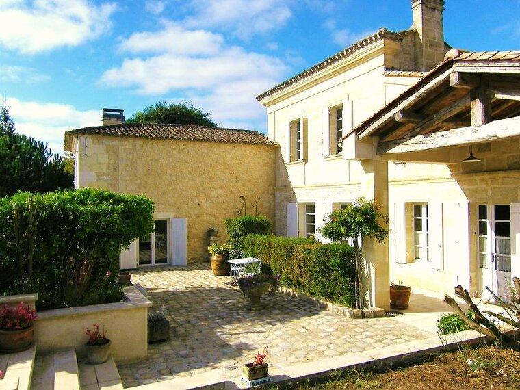 Vente Maison 12 pièces 400m² Fronsac (33126) - photo
