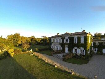 Sale House 10 rooms 600m² Latresne (33360) - Photo 1