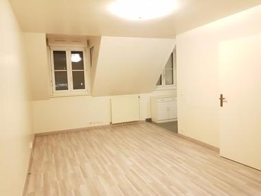 Location Appartement 1 pièce 31m² Massy (91300) - photo
