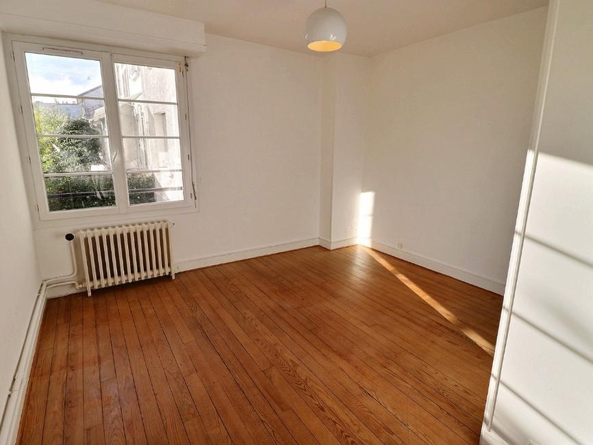 vente appartement 3 pi ces pau 64000 429644. Black Bedroom Furniture Sets. Home Design Ideas