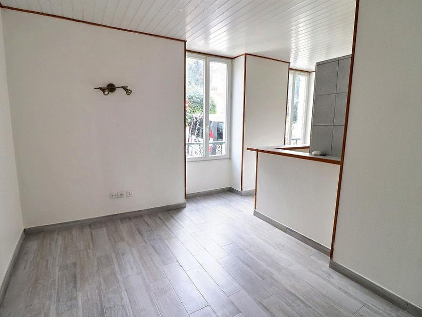 vente appartement 2 pi ces pau 64000 406444. Black Bedroom Furniture Sets. Home Design Ideas