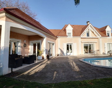Sale House 8 rooms 230m² IDRON - photo
