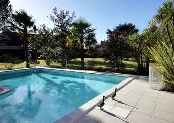 Sale House 8 rooms 267m² IDRON - photo