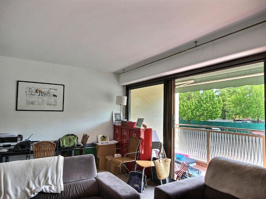 vente appartement 3 pi ces pau 64000 375583. Black Bedroom Furniture Sets. Home Design Ideas