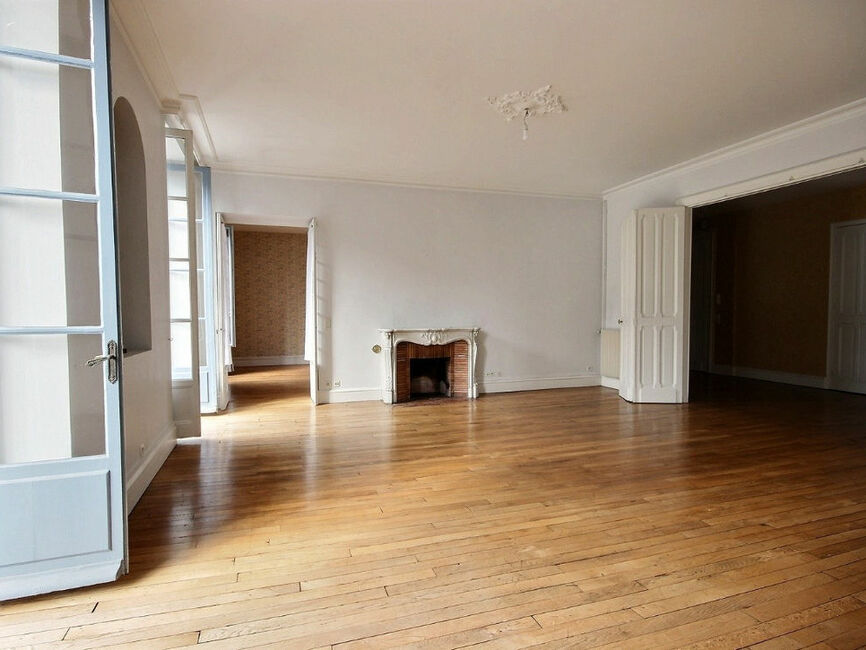 vente appartement 5 pi ces pau 64000 339478. Black Bedroom Furniture Sets. Home Design Ideas