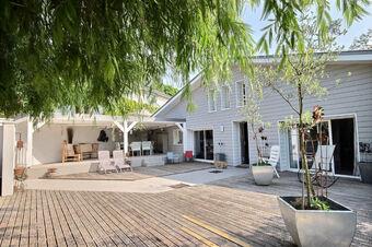 Sale House 9 rooms 330m² Pau (64000) - photo