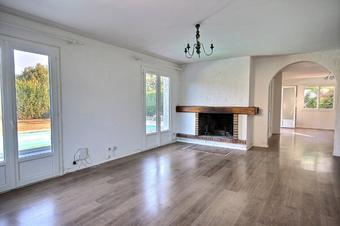 Sale House 6 rooms 151m² Idron (64320) - photo