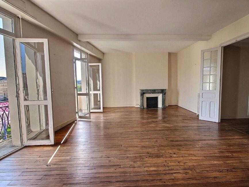 vente appartement 5 pi ces pau 64000 338309. Black Bedroom Furniture Sets. Home Design Ideas