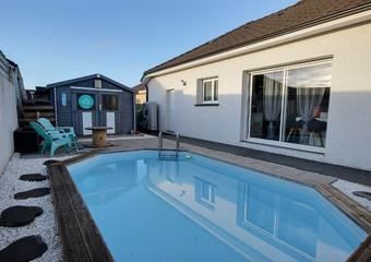 Sale House 5 rooms 98m² BORDES - Photo 1