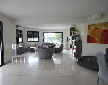 Sale House 6 rooms 218m² Idron (64320) - photo