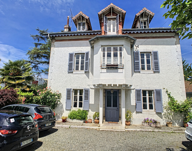 Sale House 7 rooms 230m² PAU - photo