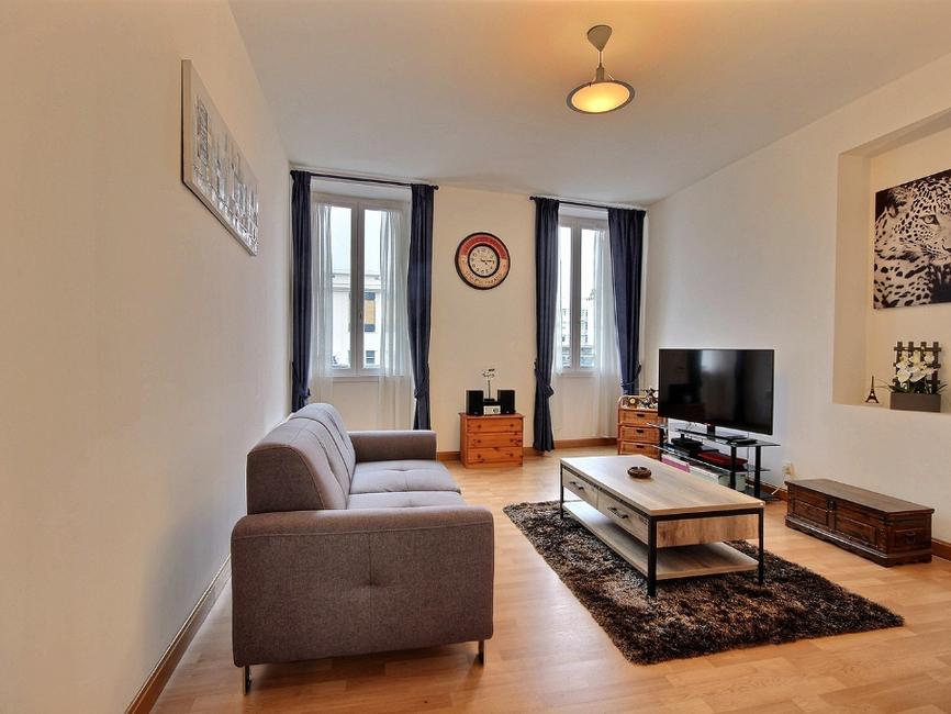 vente appartement 3 pi ces pau 64000 437333. Black Bedroom Furniture Sets. Home Design Ideas