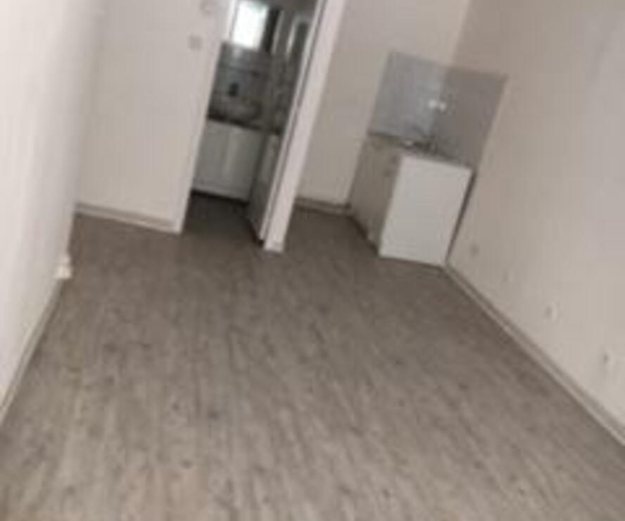 Location Appartement 2 pièces 38m² Marseille 02 (13002) - photo