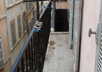 Location Appartement 1 pièce 18m² Marseille 02 (13002) - photo 2