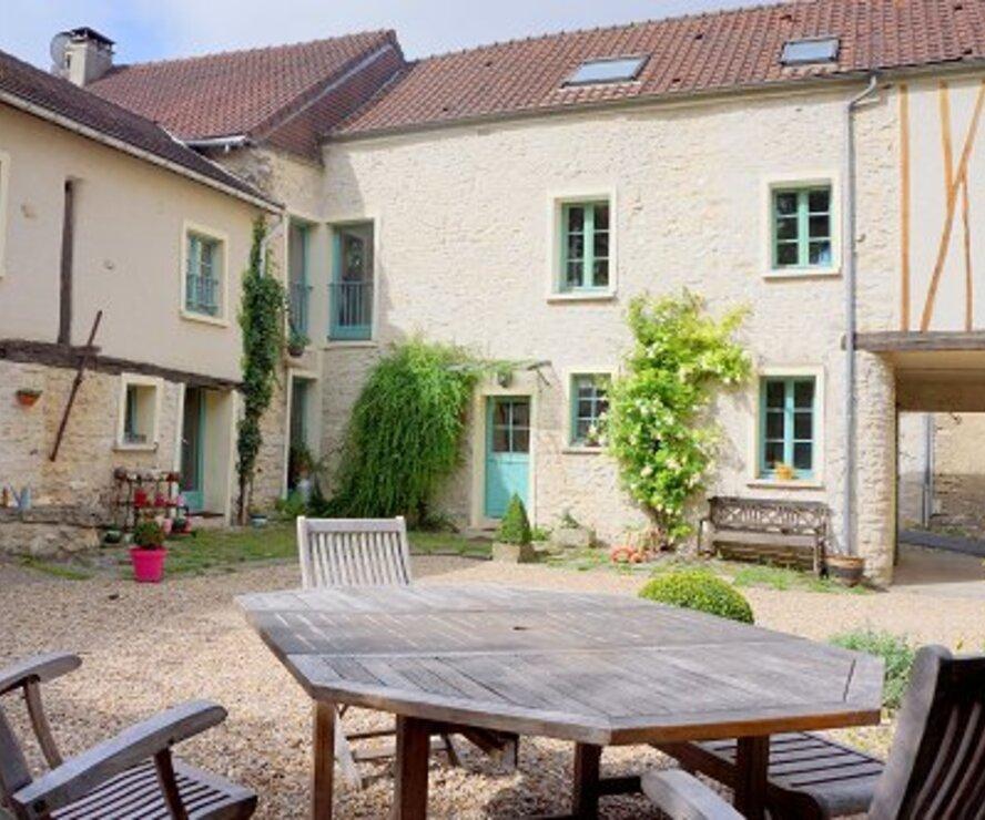 Vente Maison 11 pièces 246m² GOUSSONVILLE - photo