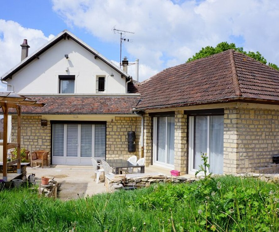 Vente Maison 6 pièces 140m² Breuil-Bois-Robert (78930) - photo