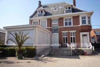 Vente Maison 7 pièces 300m² Estaires (59940) - Photo 1