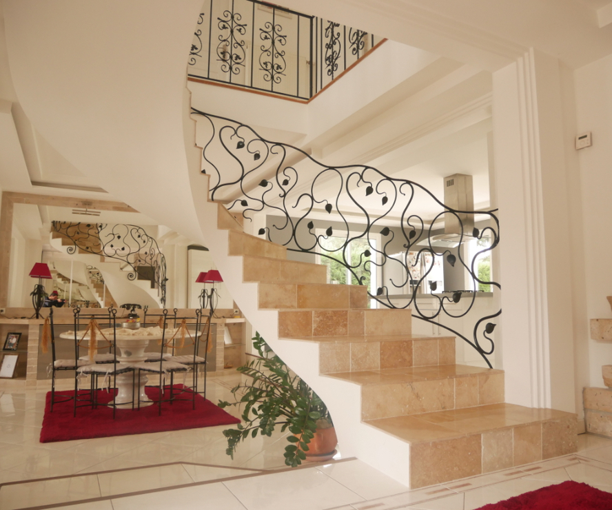 Vente Maison 8 pièces 225m² CHATEAUNEUF SUR LOIRE - photo