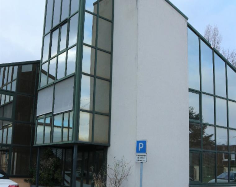 Location Bureaux 10 pièces 270m² Saint-Jean-de-la-Ruelle (45140) - photo